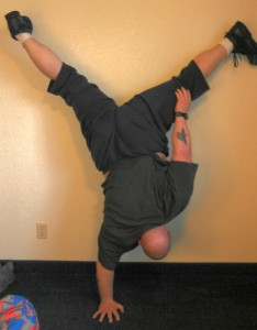 bud-one-arm-handstand-234x300